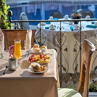 Hotel & Suites Casa Conde - Restaurant