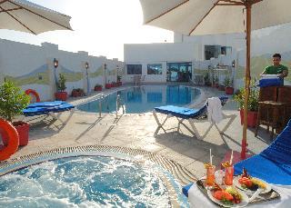 Al Jawhara Gardens - Pool