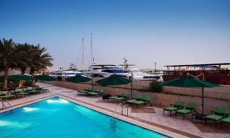 Sheraton Dubai Creek Hotel and Towers - Pool