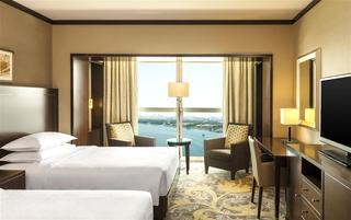 Sheraton Dubai Creek Hotel and Towers - Zimmer