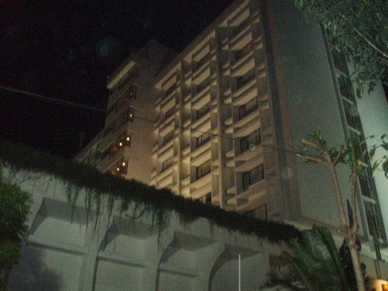 Comfort Inn Marina Towers, 2a Ponniamman Koiil Street,…