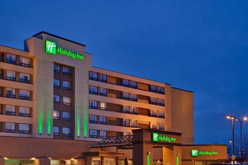 Holiday Inn Laval Montreal, 2900 Boulevard Le Carrefour,