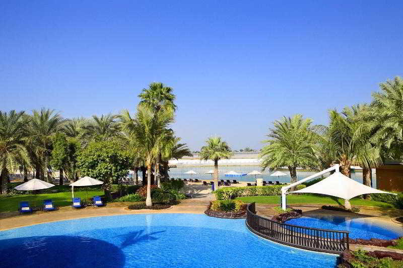 Sheraton Abu Dhabi Hotel & Resort - Pool