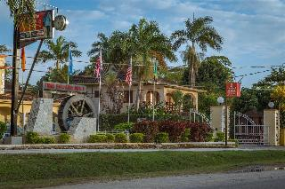 Pure Gardens Resort, Norman Manley Boulevard P.o…