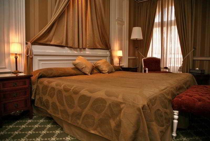 Carlton Lausanne SA - Zimmer