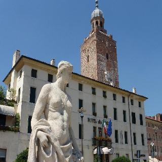 Alla Torre, Piazzetta Trento E Trieste,7