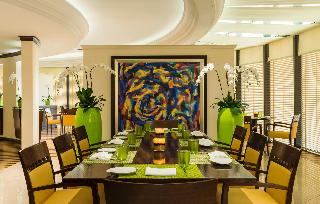 Le Royal Meridien Beach Resort and Spa - Restaurant