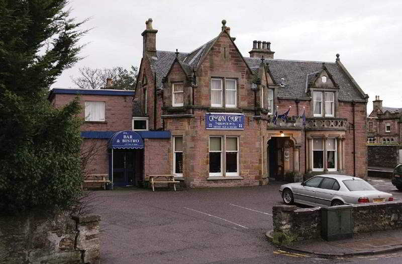 Crown Court Hotel, Southside Road,25