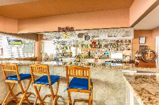 Pirate's Inn Hotel - Bar