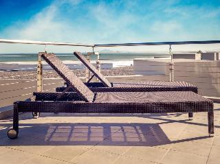 Lagoon Beach Hotel - Terrasse