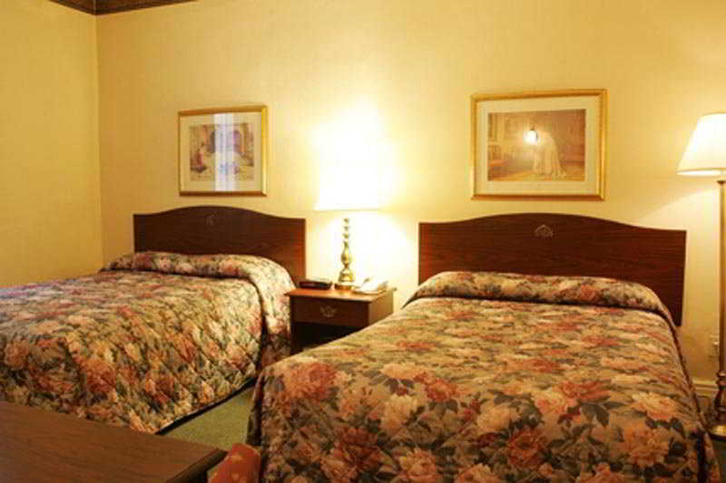 Clarion Hotel & Suites Selby-Toronto