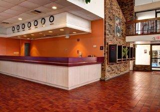 Econolodge Inn & Suites