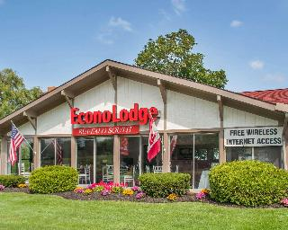 Econo Lodge South, 4344 Milestrip Rd.,4344