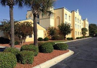 Book Comfort Inn & Suites Ft. Jackson Maingate Columbia - image 13