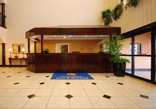 Book Comfort Inn & Suites Ft. Jackson Maingate Columbia - image 2