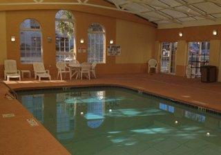 Book Comfort Inn & Suites Ft. Jackson Maingate Columbia - image 6