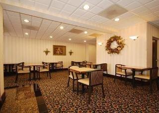 Book Comfort Inn & Suites Ft. Jackson Maingate Columbia - image 11