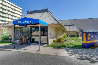 Comfort Inn Central, 401 E. 58th Ave.,