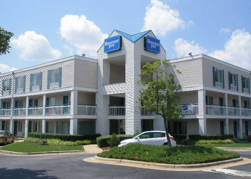Motel 6 Raleigh North, 2641 Appliance Court,