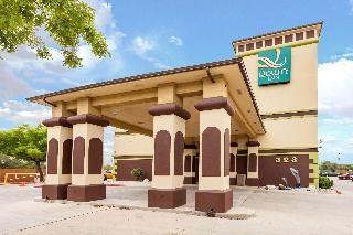 Quality Inn near Seaworld, Southwest Loop 410,323