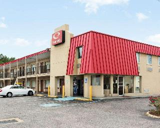 Econo Lodge Town Center, 3637 Bonney Rd.,