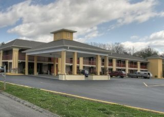 Quality Inn West
