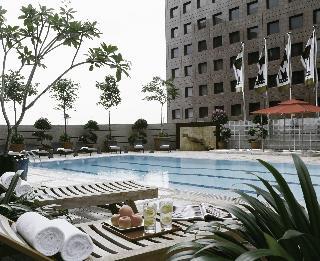M Hotel Singapore - Pool