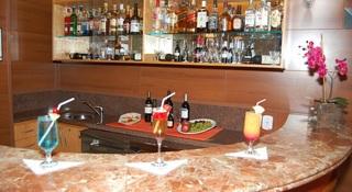 Harbor Hotel Regent Suites - Bar