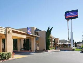 Howard Johnson Inn And Suites Vallejo/Near Discove