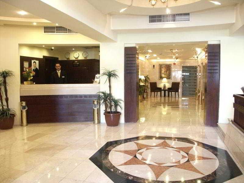 Belle Vue Hotel - Diele