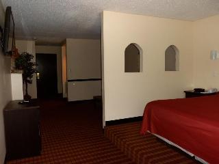 Comfort Inn & Suites, 5985 Oakbrook Parkway,
