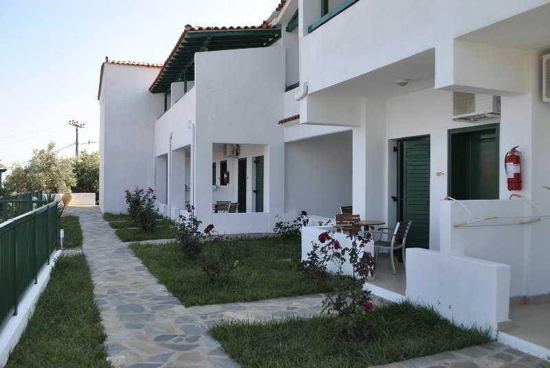 Skiathos Club, Vasilias-katsarou,