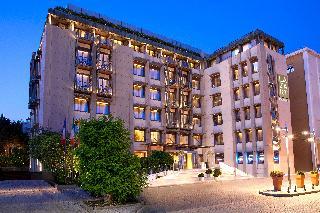 Lazart Hotel, Kolokotroni Str,16 0
