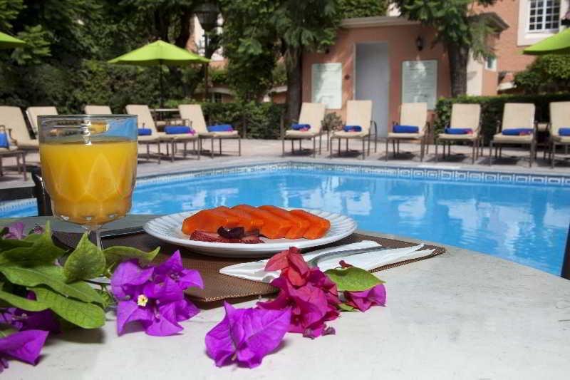 Plaza Camelinas Hotel, Av. 5 De Febrero Col. La…
