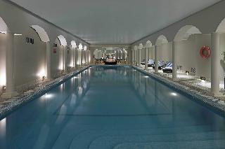 Emperador - Pool