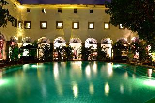Pestana Convento do Carmo - Pool