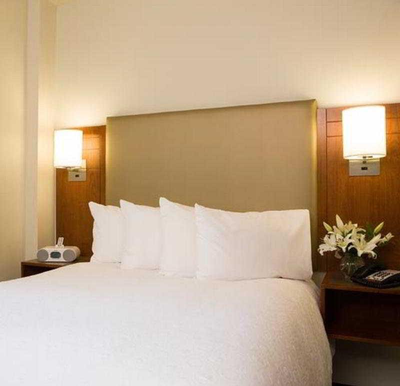 373 Fifth Avenue Hotel