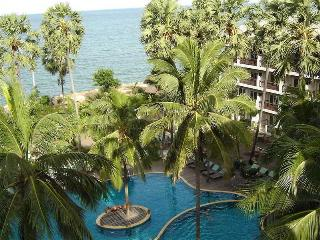 Pattawia Resort and…, 9/21 Moo 5, Paknhampran Beach,9/21
