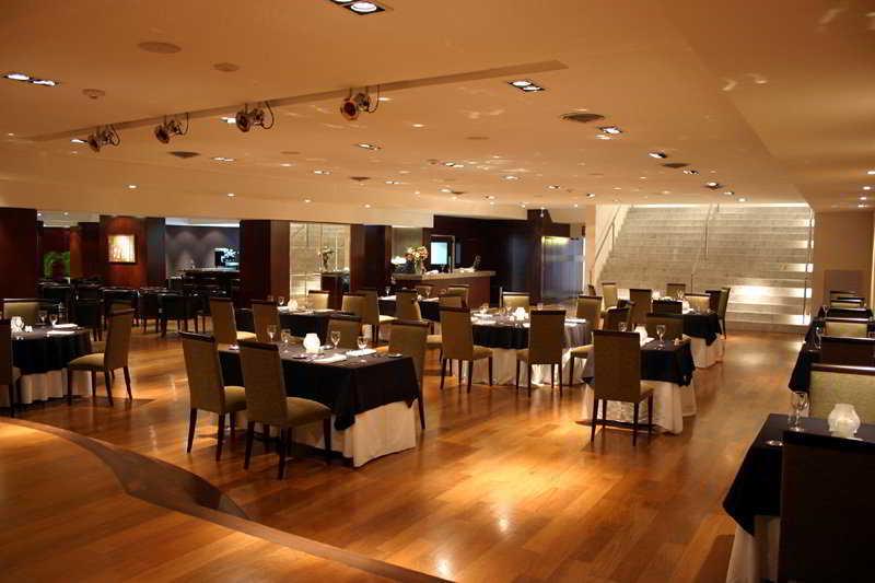 Ros Tower Hotel - Restaurant