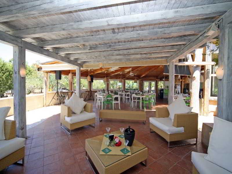 Remove the bungalow in Capo Coda Cavallo