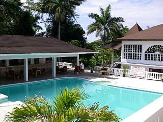 Pure Oasis Negril, Norman Manley Blvd. Beach…