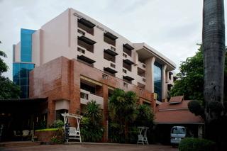 Chiang Mai Gate Hotel, Suriyawong Rd, T. Haiya,…