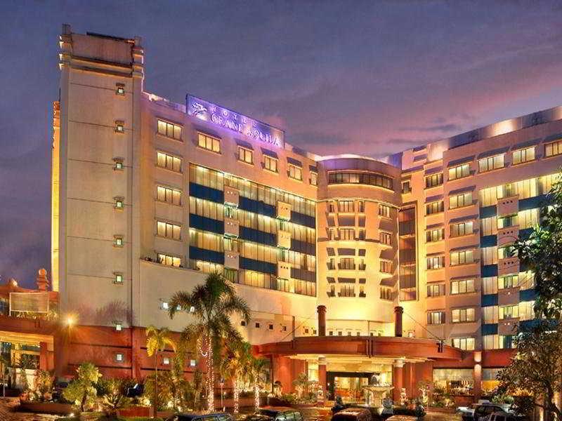 Grand Aquila, Jl. Dr. Djundjungan 116 -…