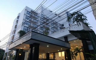 C H Hotel Chiang Mai, Soi 8 Charoenprathet Road,10
