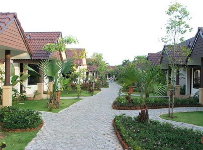 Laluna Hotel & Resort…, Moo 14 Sanambin Road, A.…