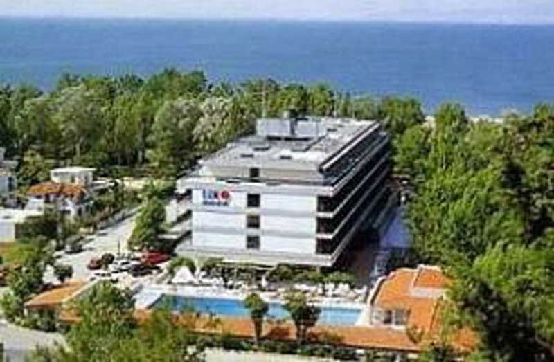 Sun Beach Hotel & Conference Centre