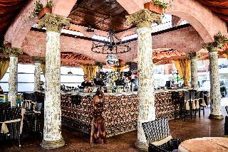 Karolina - Bar