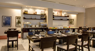 Broadway Hotel & Suites - Restaurant