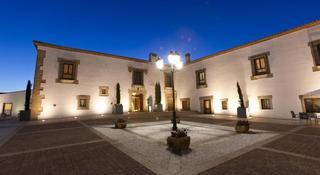 Hospes Palacio de Arenales…, Ctra. Km 52 100 Margen Derecho…