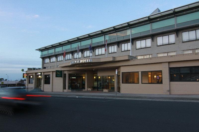 Quality Hotel Gateway, 16 Fenton Street,.